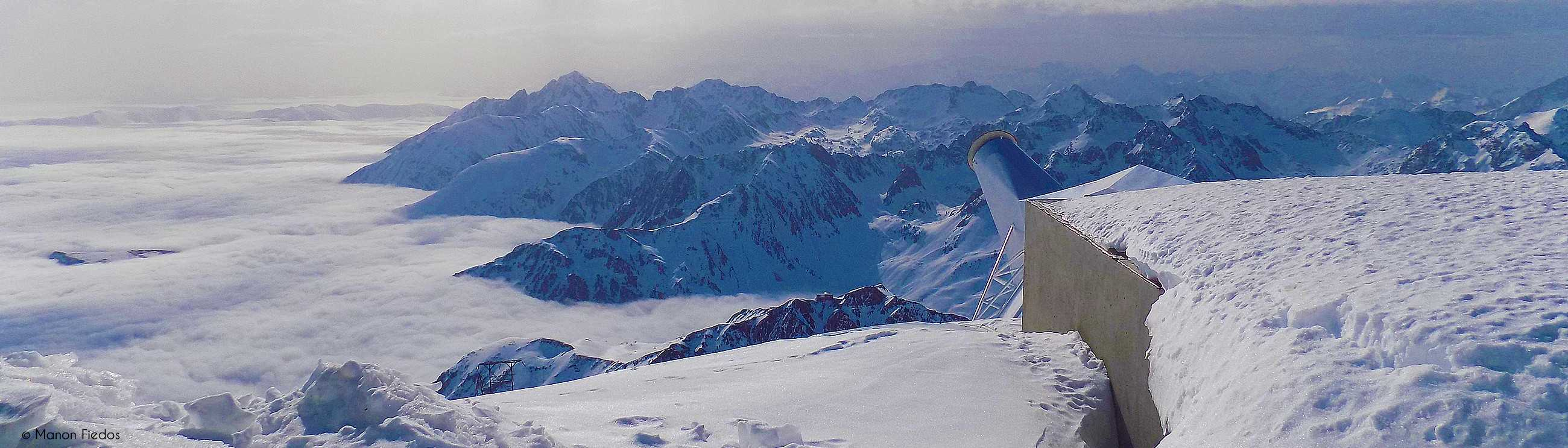 Landscape seen from the Pic du Midi by Manon Fiedos